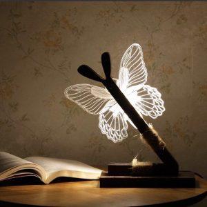Đèn Bươm Bướm là mẫu đèn với phong cách độc đáo có kích thước 25x45cm.Được thiết kế bởi 2 phần khung và phần con bướm.Tính năng điều chỉnh cường độ ánh sáng